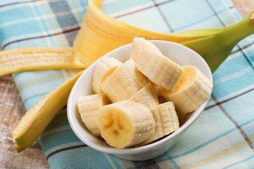 Banane ce tratează durerea de stomac
