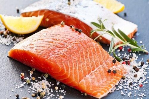 Somonul, unul din acele alimente care conțin coenzima Q10