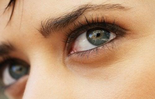 Cum determină genele aspectul și culoarea ochilor
