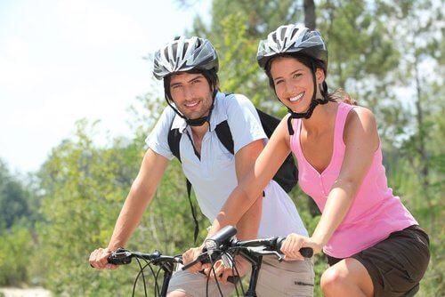 Exercițiile fizice oferă numeroase beneficii