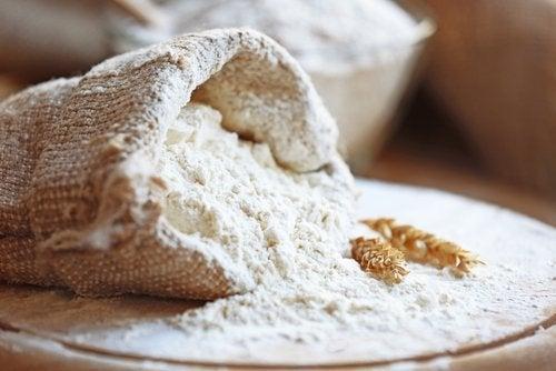 Este bine să consumi seara produse cu făină de grâu?