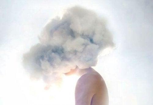 Gândurile negative – când furtuna se află în mintea ta