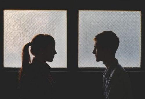 Este o decizie bună să te împaci cu fostul iubit?