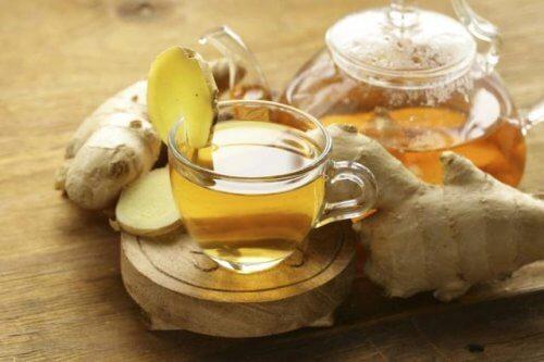 Infuzie de ghimbir ce tratează durerea de stomac