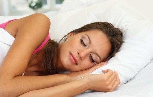 Somnul odihnitor te ajută să ai o inimă mai sănătoasă