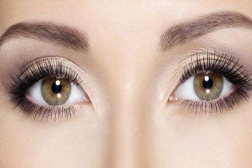 Următoarele obiceiuri sănătoase te ajută să îți protejezi ochii