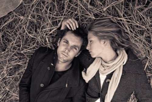 Există anumite semne care arată că ești într-o relație fără viitor