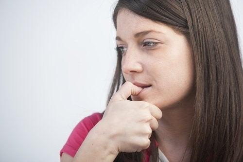 Rosul unghiilor poate avea diverse urmări negative