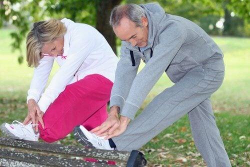 sesiunile de exerciții intense la persoanele în vârstă