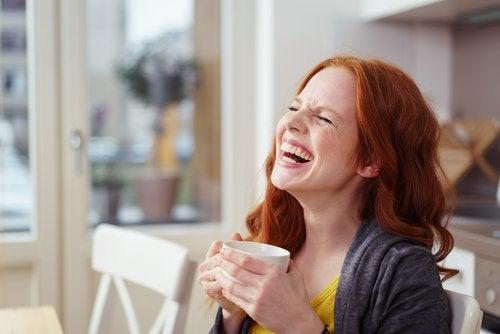 Terapia prin râs alungă stresul și grijile
