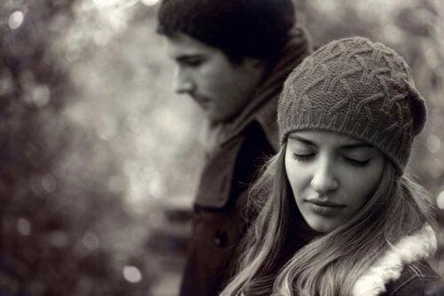 Tulburarea de personalitate borderline implică instabilitate emoțională