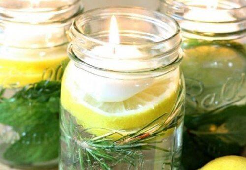 Ulei de Citronella pentru confecționarea unor lumânări parfumate