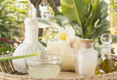 Cremă cu ulei de cocos și aloe vera pentru întărirea părului