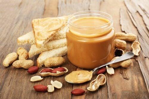 Untul de arahide este unul dintre acele alimente care pot provoca migrene