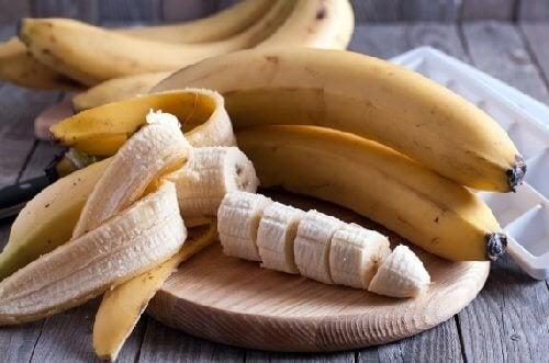 Banane pentru a prepara măști de păr hidratante