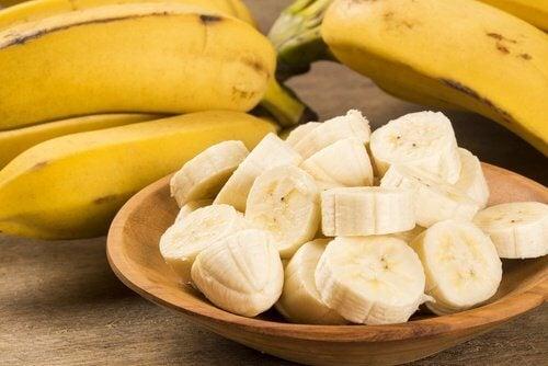 Bananele au un conținut ridicat de potasiu