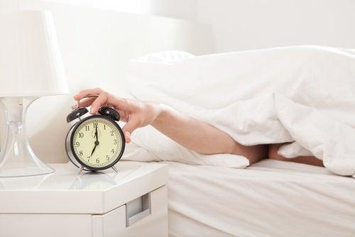 Câștigul în greutate poate fi cauzat de lipsa de somn