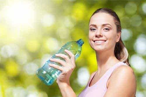 Detoxifiere de o zi pentru eliminarea retenției de apă