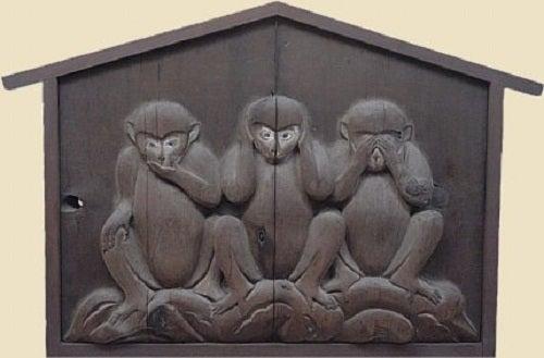Lecția oferită de cele trei maimuțe înțelepte