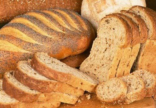 Pâinea integrală nu poate fi inclusă în lista de alimente sănătoase