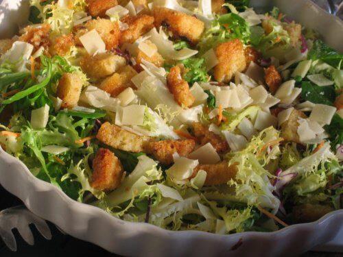 Nu toate salatele sunt recomandate într-o cură de slăbire