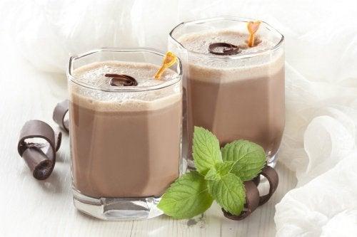Shake-urile de ciocolată slăbesc oasele copiilor