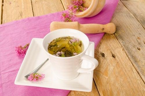 Ai la dispoziție multe ceaiuri care te ajută să ai un somn odihnitor