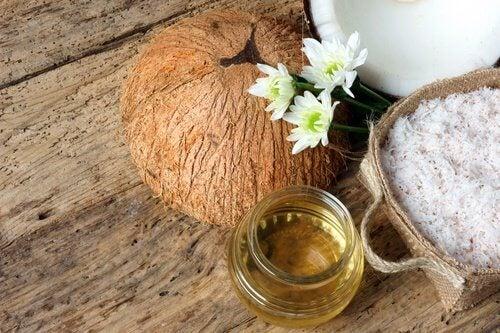 Ulei de cocos pentru întinerirea pielii