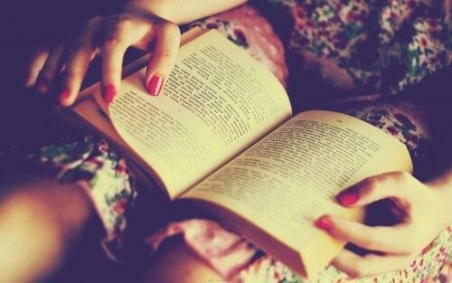 Adolescența este discutată în multe cărți de specialitate
