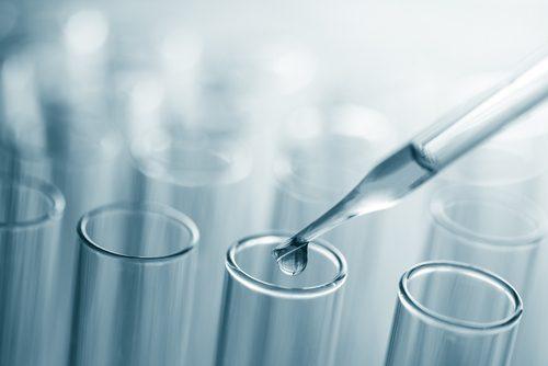 Argintul coloidal este o combinație de argint și apă distilată