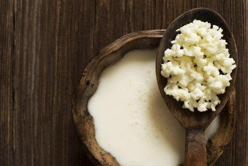 Chefirul din apă de cocos este benefic pentru sănătate