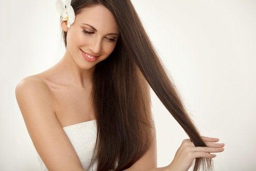 O dietă adecvată stimulează creșterea părului