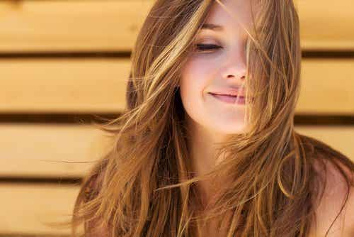 Creșterea părului – 3 moduri de a o stimula