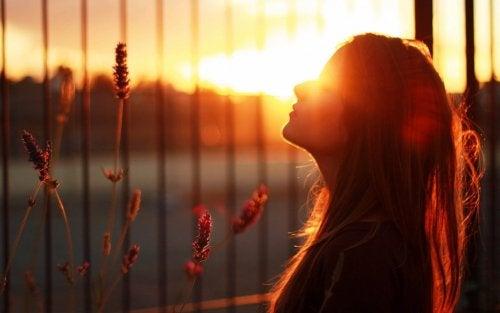 Depresia atipică trebuie combătută cu un tratament complex