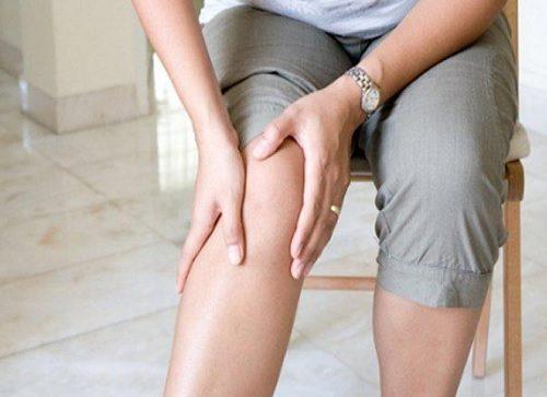 10 schimbări în dietă care combat durerea de genunchi