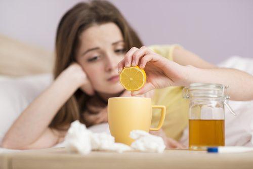 Excesul de mucus poate fi cauzat de răceală