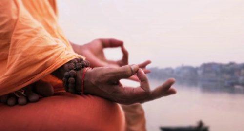 Dintre atâtea tipuri de meditație, încearcă meditația Metta ce este bazată pe dragoste și compasiune