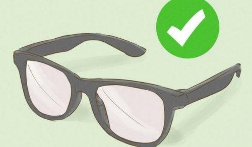 Trebuie să iei anumite măsuri pentru a-ți întreține ochelarii de vedere