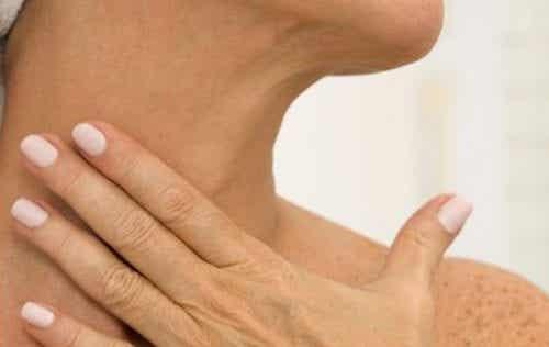 Ridurile de pe gât: 5 remedii naturale
