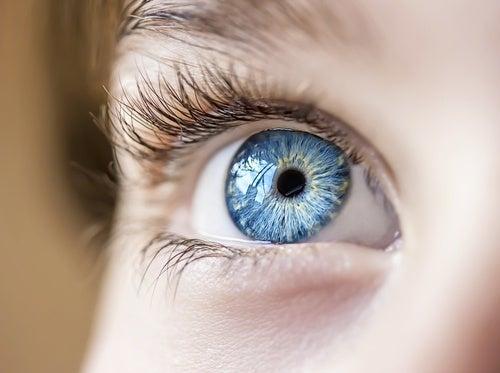 Anumite obiceiuri ne ajută să ne protejăm sănătatea oculară