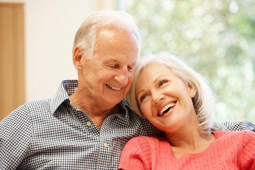 Ce schimbări se produc o dată cu înaintarea în vârstă