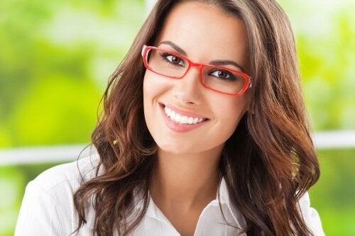 Trucuri utile pentru îngrijirea corectă a ochelarilor