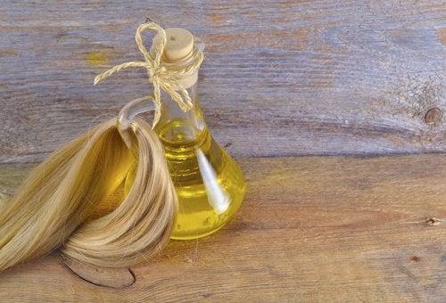 Uleiul din germeni de grâu este un balsam de păr natural