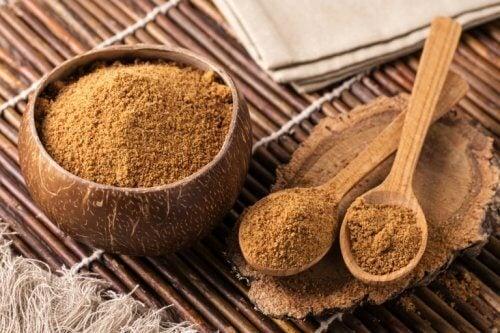 Zahărul de cocos este unul dintre acei îndulcitori naturali recomandați