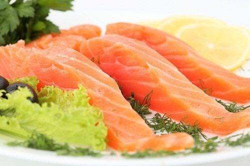 Alimente care susțin sănătatea arterială ca somonul sunt foarte benefice