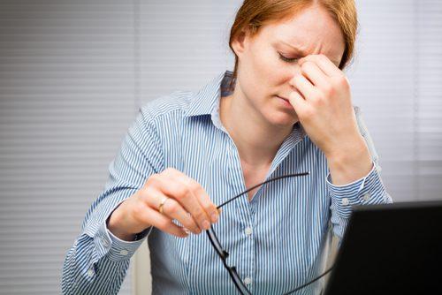 Cauze ale ticurilor oculare ocazionale ce nu trebuie ignorate