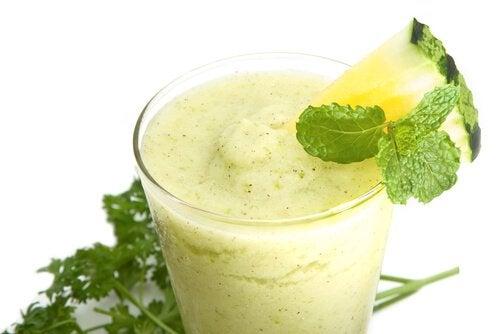 Băuturile verzi susțin detoxificarea organismului