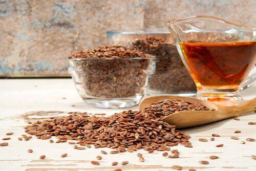 Semințele de in stimulează eliminarea deșeurilor din colon