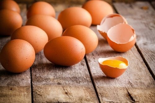 Ouăle sunt alimente bogate în calciu