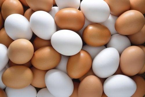 Folosește ouă pentru prepararea unei măști de păr bogate în proteine